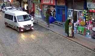 Photo of Çarşıbaşı Avni Akkan Caddesi Canlı Seyret